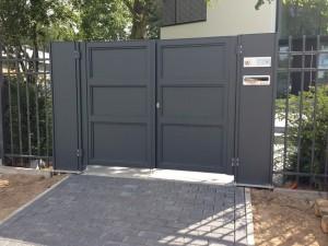 BALU Drehtür 2-flügelig Kassette geschlossen